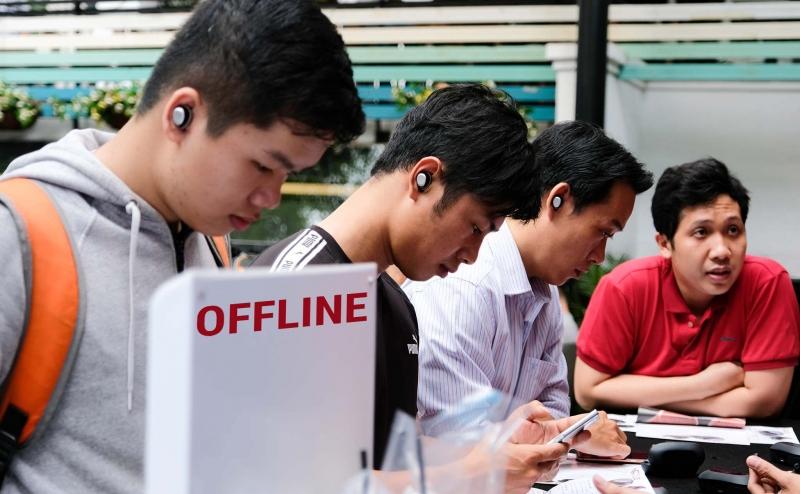 Hình ảnh offline tai nghe Nuheara tại cà phê Tinh Tế: đông anh em tham dự, nhiều nội dung, quà lớn