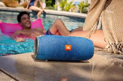 JBL Xtreme Bluetooth - Loa chống nước pin khủng